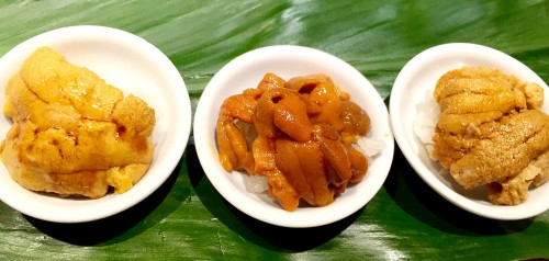 (l to r) Uni trio from Sushi Dojo - Santa Barbara vs. Hokkaido vs. Maine. Note the differences in color, size, texture, etc.